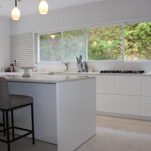 New 9 room villa FOR SALE in Herzliya Pituach