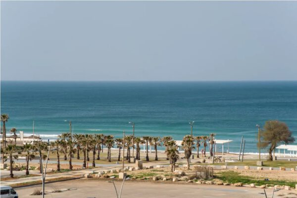 3 room apartment front line to the beach FOR SALE, Hadera