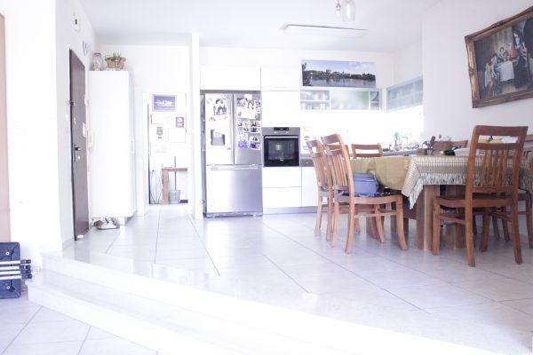5 rooms apartment FOR SALE, HaGdud Haivri street, R'anana Center