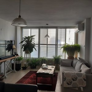4.5 rooms apartment FOR SALE Located second line to the beach, Bat Yam